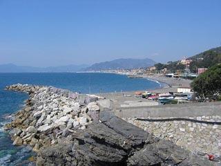 Lavagna_spiaggia_cavi.jpg
