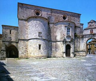 la cattedrale di gerace da piazza tribuna